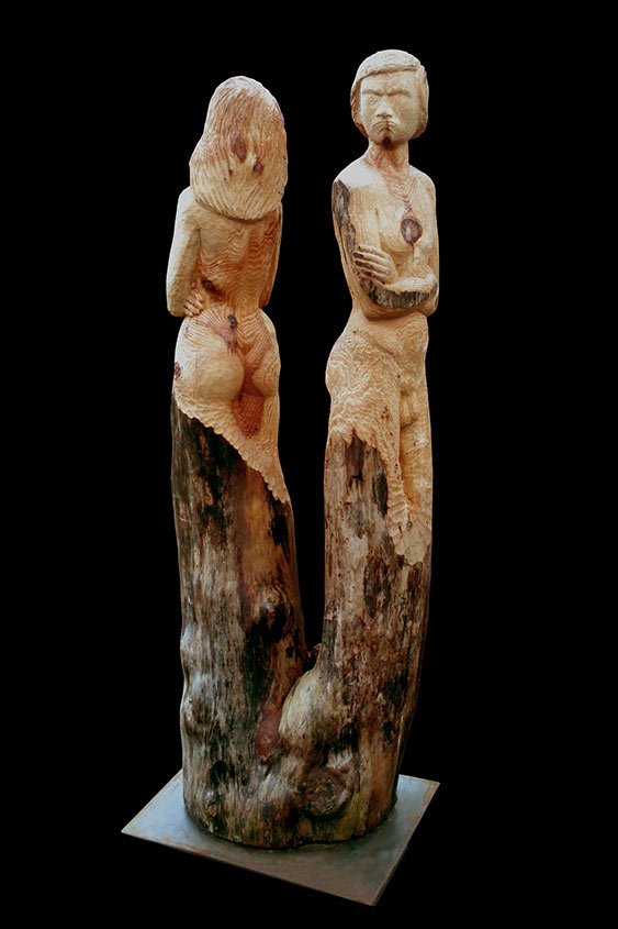 Aus dem selben Holz geschnitzt, 2007, Kiefernzwille, Höhe ca. 2,0m
