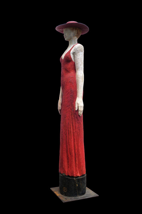 Lady in Red, 2009, Lärchenholz/Acrylfarbe, Höhe ca. 1,60 m