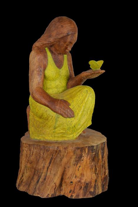 Mädchen mit Zitronenfalter, 2009, Birnbaum/Acrylfarbe, Höhe ca. 85cm