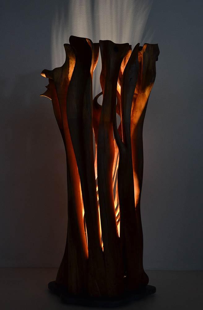 Sinfonia in Legno e Luce, 2016, Kirschbaum/Schiefersockel/LED Lichtquelle, Höhe ca. 1,60m